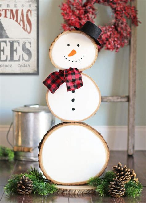 Diy-Snowman-Decorations-Made-From-Wood-Slices