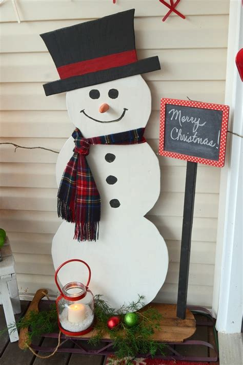 Diy-Snowman-Made-Out-Of-Wood