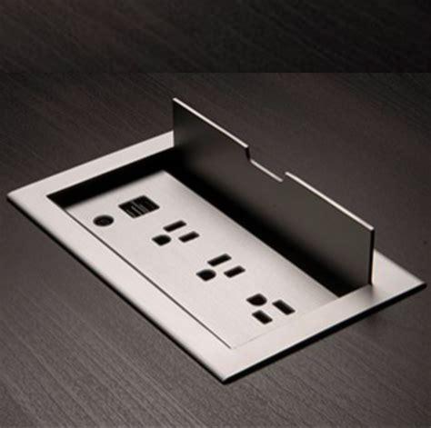 Diy-Sofa-Table-With-Flush-Mount-Power-Strip