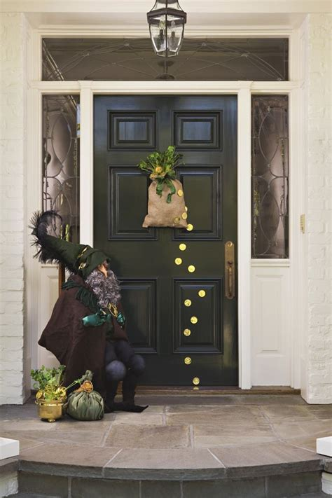 Diy-St-Patricks-Day-Door-Decor