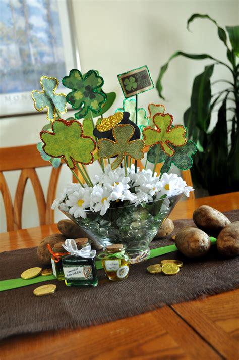 Diy-St-Patricks-Day-Table-Centerpiece