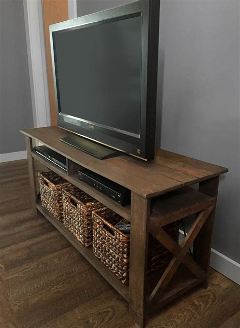 Diy-Stained-Wood-Tv-Stand