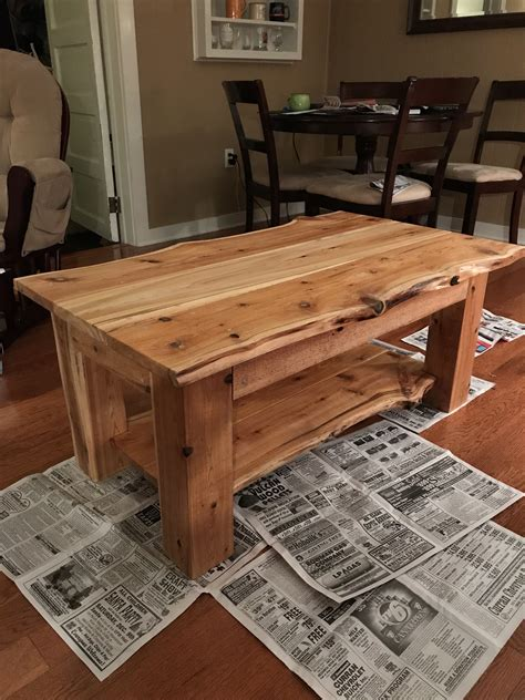 Diy-Staining-Coffee-Table