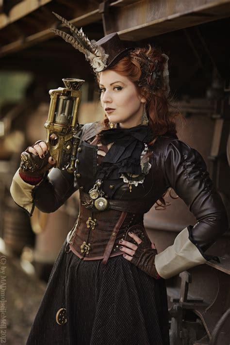 Diy-Steampunk-Dress