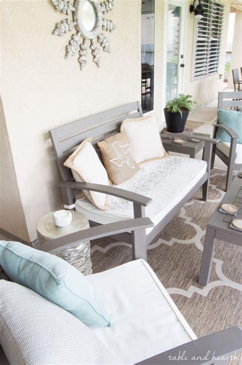 Diy-Stencil-Patio-Cushions