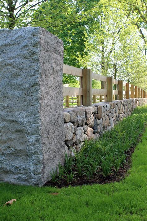 Diy-Stone-And-Wood-Fence
