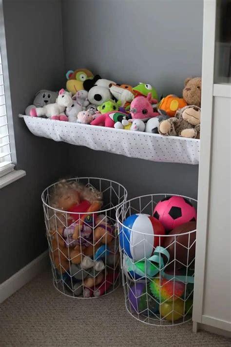 Diy-Stuffed-Animal-Furniture