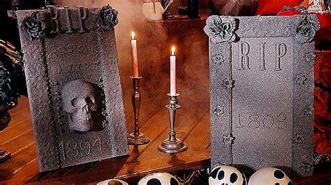 Diy-Styrofoam-Tombstones