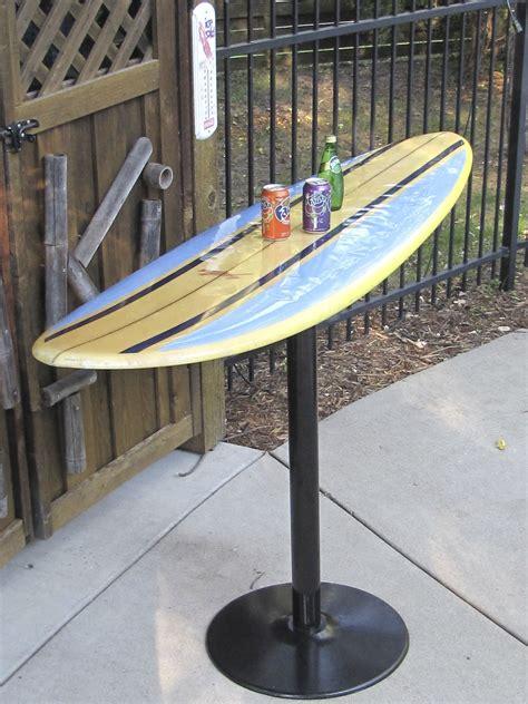 Diy-Surfboard-Bar-Table