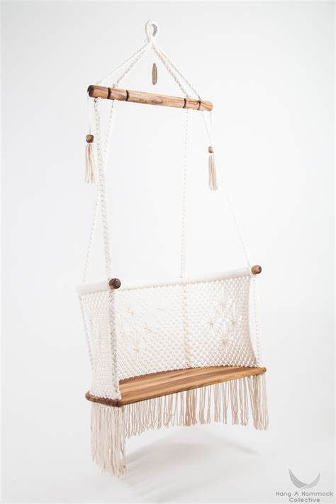 Diy-Suspended-Lounching-Chair