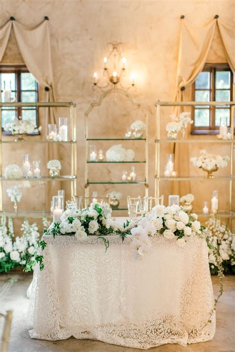 Diy-Sweetheart-Table-Florals
