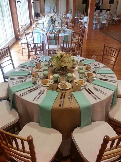 Diy-Table-Runners-Wedding-For-Round-Tables