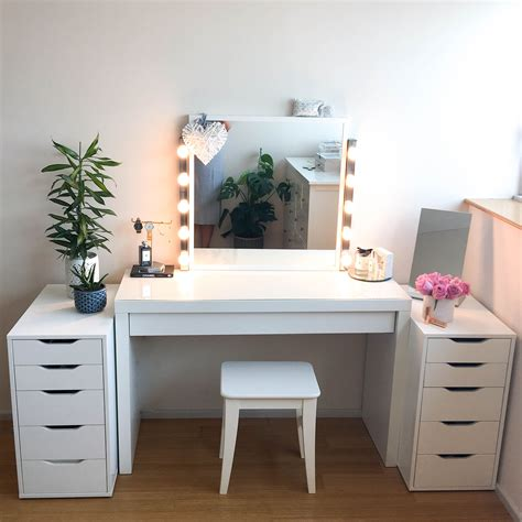 Diy-Table-Vanity