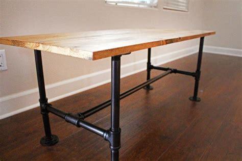 Diy-Table-With-Metal-Pipe-Legs