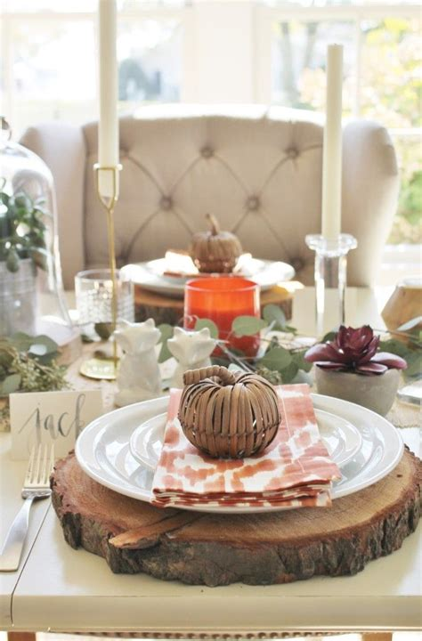 Diy-Tablescapes-Using-Wood-Signs