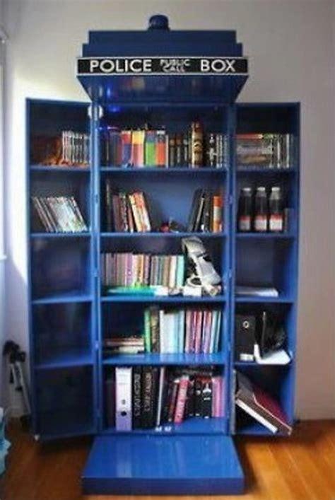Diy-Tardis-Bookshelf