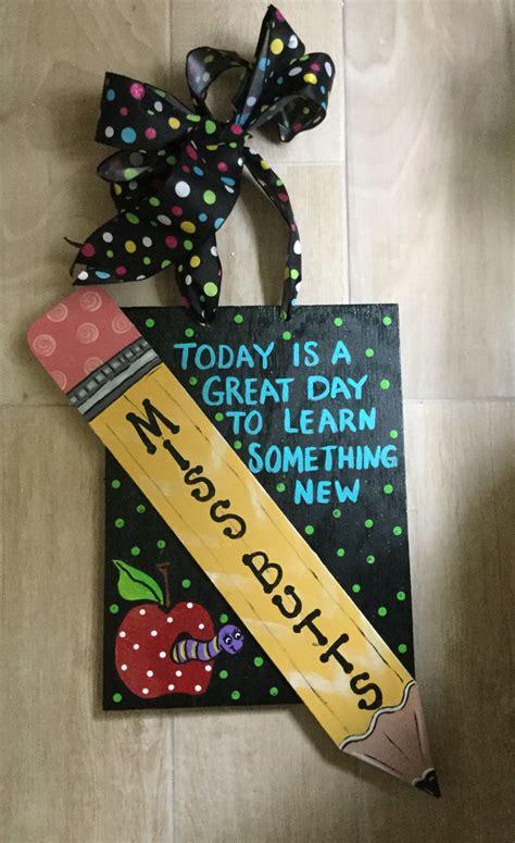Diy-Teacher-Door-Signs