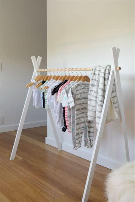 Diy-Teepee-Clothing-Rack