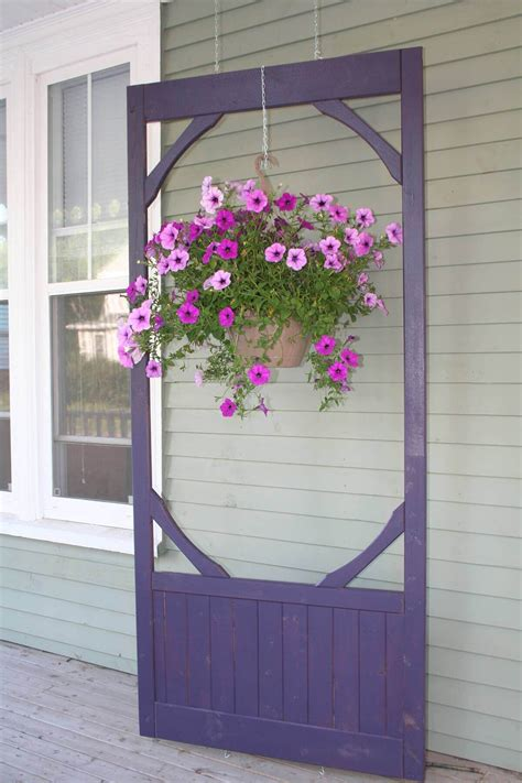 Diy-Things-To-Do-With-An-Old-Wooden-Screen-Door