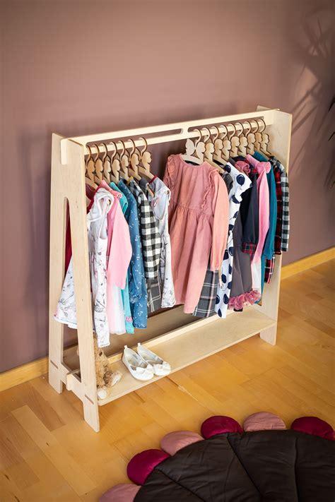 Diy-Timber-Clothes-Rack