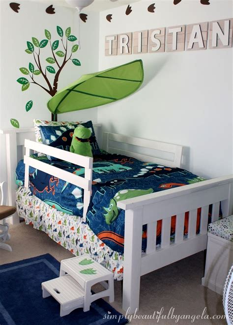 Diy-Toddler-Headboard