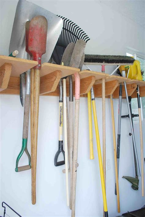 Diy-Tool-Storage-Rack