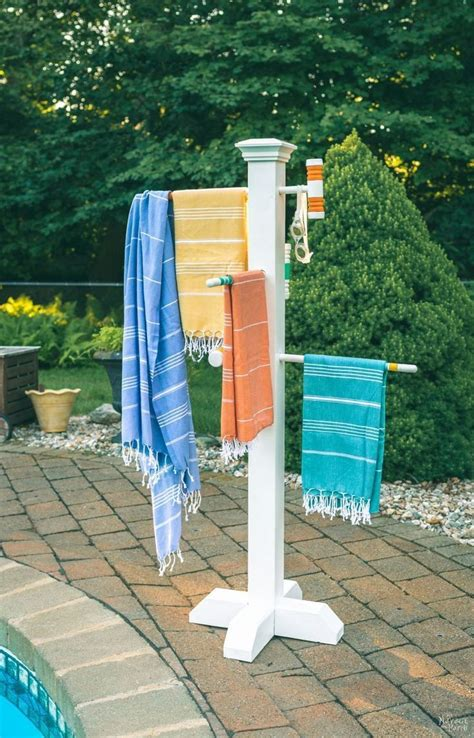 Diy-Towel-Tree-Rack