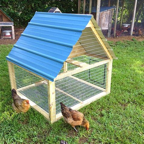 Diy-Tractor-Chicken-Coop