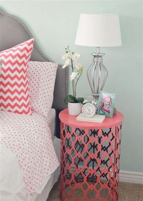 Diy-Trash-Can-Nightstand