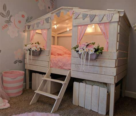 Diy-Tree-House-Loft-Bed