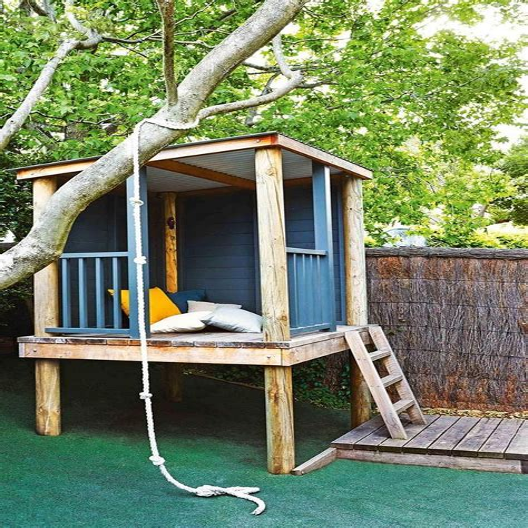 Diy-Treehouse-Hiding-Foundation