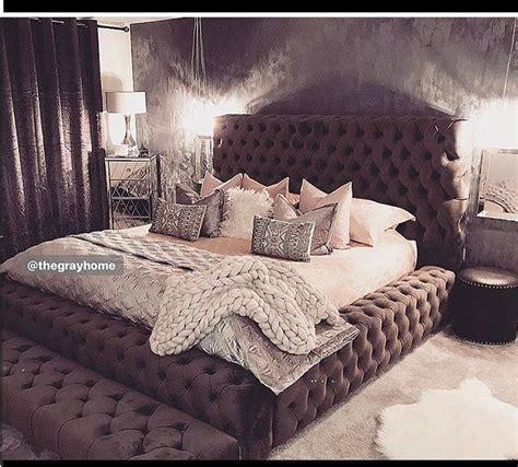 Diy-Tufted-Platform-Bed