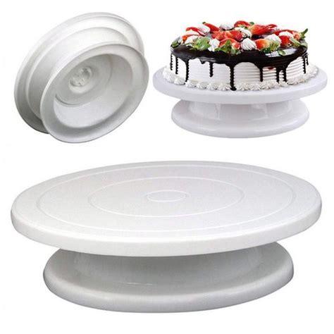 Diy-Turning-Cake-Round-Table