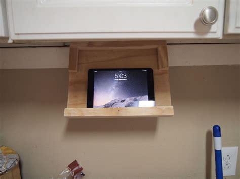 Diy-Under-Cabinet-Ideas-Ipad