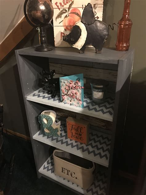 Diy-Upcycled-Bookshelf