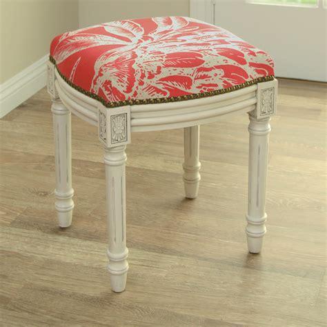 Diy-Upholstered-Vanity-Stool