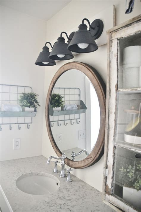 Diy-Vanity-Light-Fixture