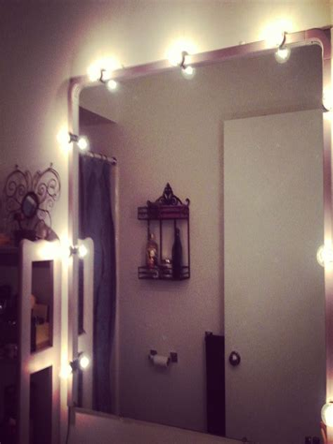 Diy-Vanity-String-Lights