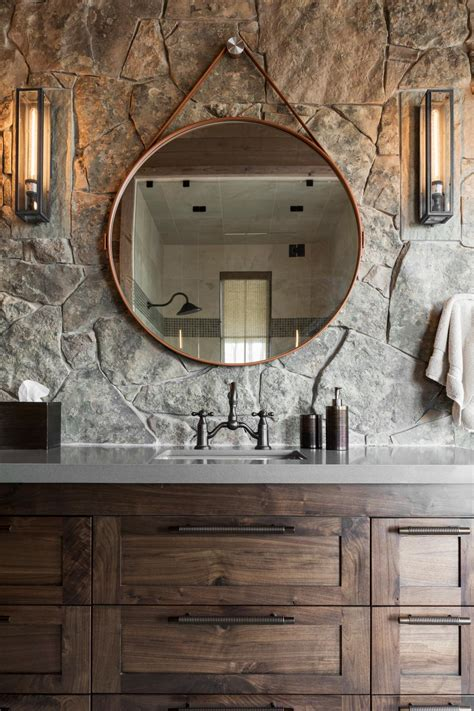 Diy-Vanity-With-Round-Mirror
