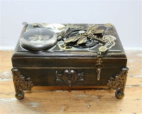 Diy-Victorian-Style-Jewelry-Box
