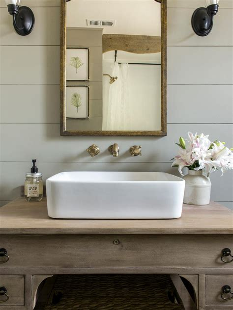 Diy-Vintage-Bathroom-Vanity