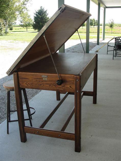 Diy-Vintage-Drafting-Table