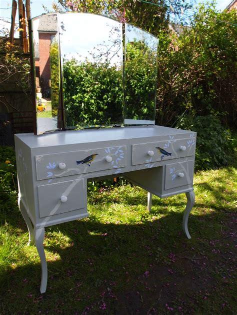 Diy-Vintage-Seat-For-Dressing-Table