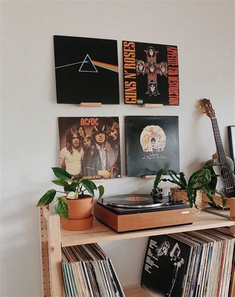 Diy-Vinyl-Wall-Shelf