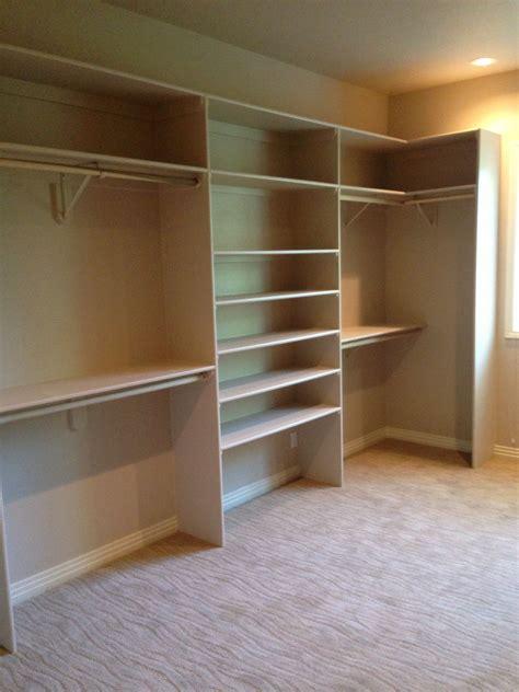 Diy-Walk-In-Closet-Shelves