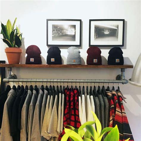 Diy-Wall-Mounted-Clothing-Rack-With-Top-Shelf