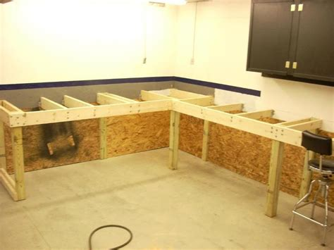 Diy-Wall-Workbench