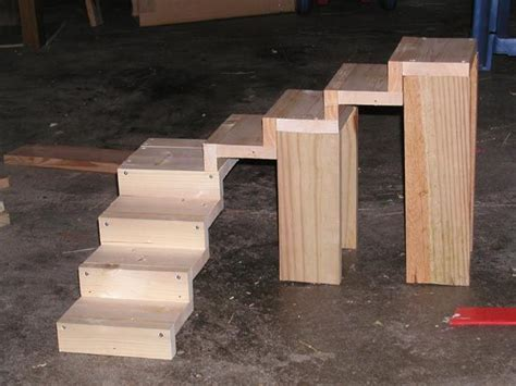 Diy-Ways-To-Put-On-A-Wooden-Guinea-Pig-Ramp