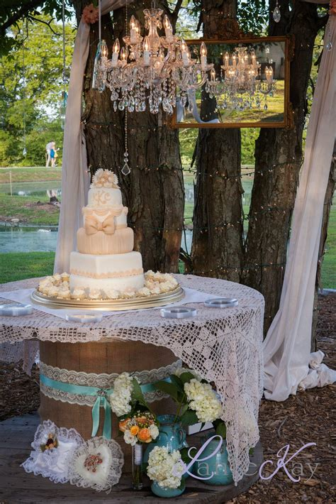 Diy-Wedding-Cake-Table-Decoration-Ideas