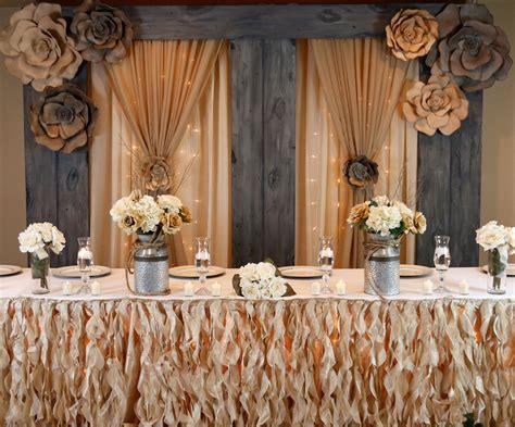 Diy-Wedding-Head-Table-Backdrop-Ideas